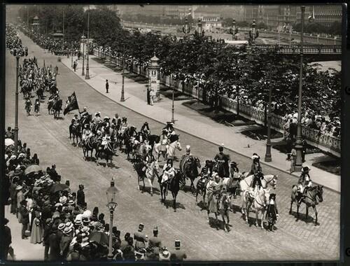 Kaiser-Huldigungs-Festzug in Wien 1908, IX. Gruppe (Belagerung Wiens 1683, Kaiser Leopold & Herzog von Lothringen) von Louis Held