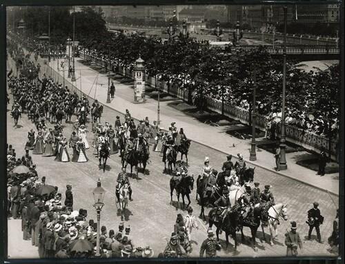 Kaiser-Huldigungs-Festzug in Wien 1908, V. Gruppe (König Sigismund & Prinz Ludwig) von Louis Held