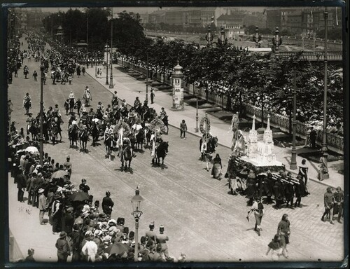 Kaiser-Huldigungs-Festzug in Wien 1908, III. Gruppe (Rudolf IV., 14. Jahrhundert) von Louis Held