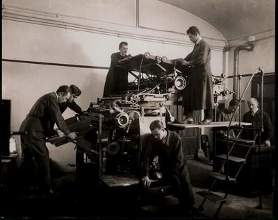 Interieur der Graphischen Lehr- und Versuchsanstalt: Offsetdruckmaschine