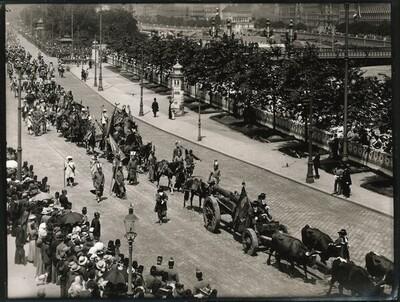 Kaiser-Huldigungs-Festzug in Wien 1908, IX. Gruppe (Belagerung Wiens 1683, Kriegsleute) von Louis Held