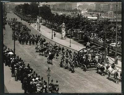 Kaiser-Huldigungs-Festzug in Wien 1908, II. Gruppe (Zeit König Albrechts) von Louis Held