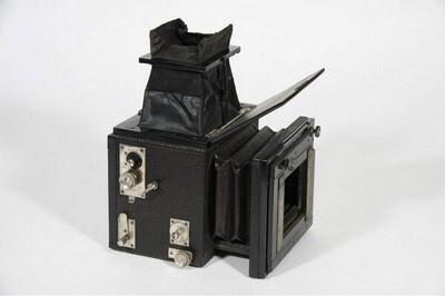 Spiegelreflexkamera - 9 x 12 cm von Adolf Hesekiel