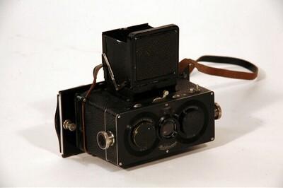 """Stereokamera """"Heidoscop"""" - jeweils 6 x 13 cm, mit 2 Tessar-Objektiven Nr. 1,216.330 und 1,216.529, 75 mm, F = 4,5 von Franke & Heidecke"""