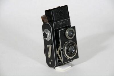 Rollfilm-Spiegelreflexkamera zweiäugig - 3 x 4 cm von Guthe & Thorsch Dresden