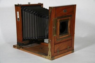 Reisekamera - 18 x 24 cm von Josef Wanaus